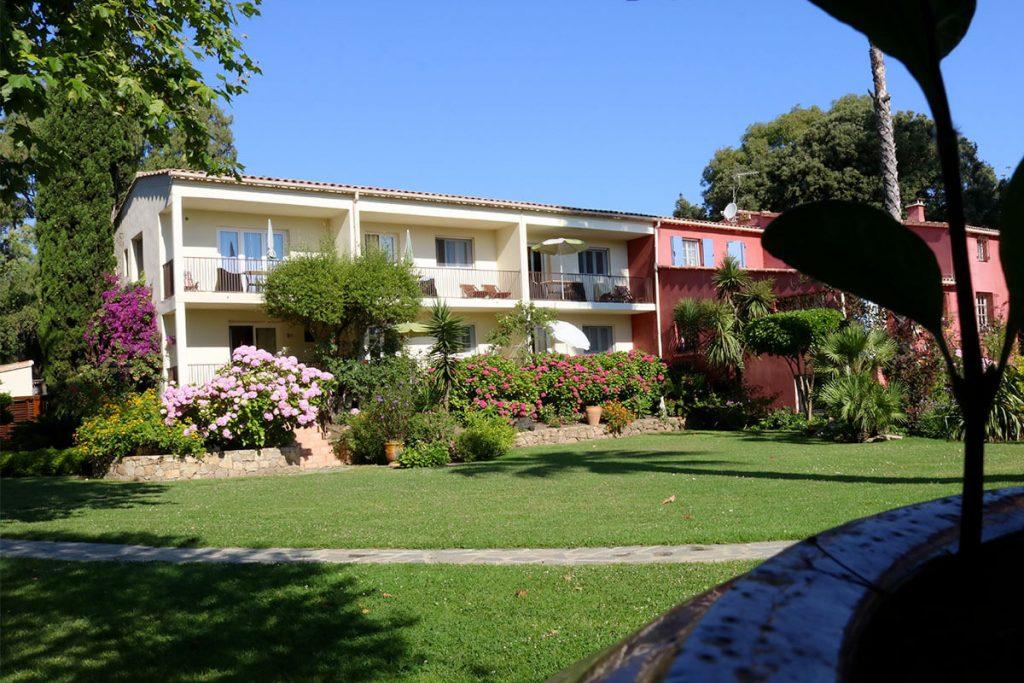 Résidence Le home à Calvi - Location villas + appartements